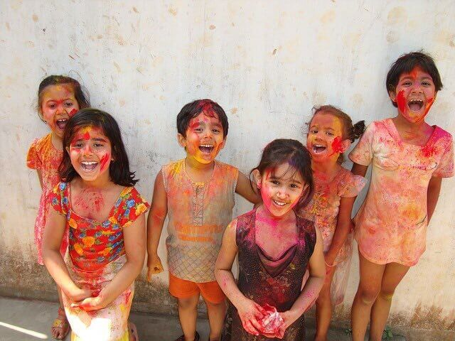 3 learnings from Holi - Holi 2018 - Few Small childs are fully coloured on Holi Festival